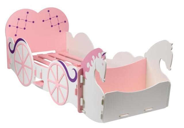 Fairytale like for your little barbies. barbie bed   Funny Little Pixels